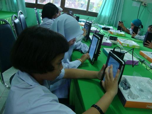 Images: tablet4_resize.JPG